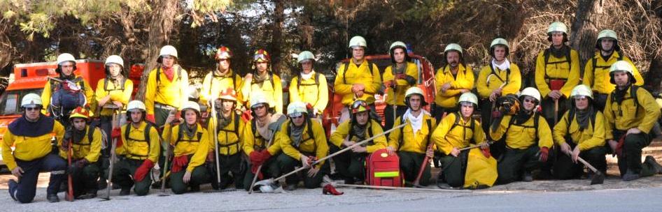 Löschmannschaft im Praxistraining nach einem 5-tägigem Waldbrandeinsatz 2010